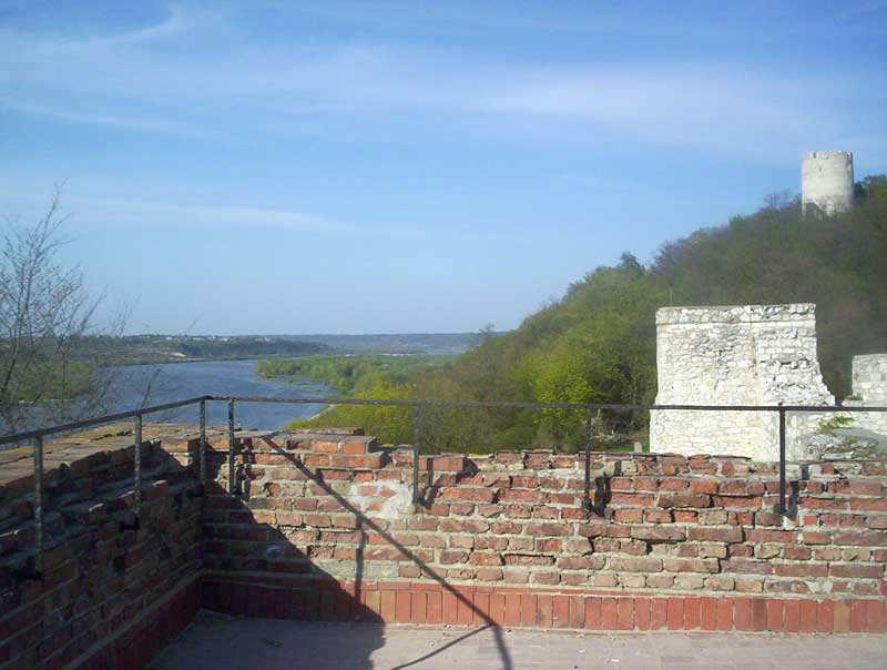 Zamek - z prawej strony Baszta